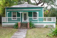 Quant cottage in historic Apalachicola, FL